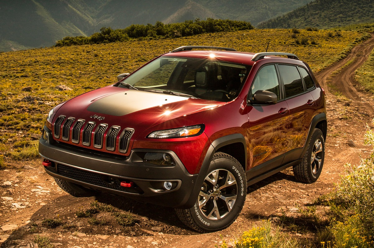 Тюнинговое ателье Manhart взялся за доработку мощнейшей версии Jeep Cherokee
