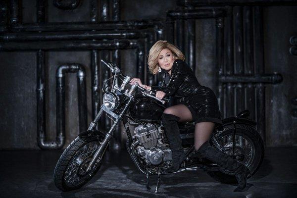 Любовь Успенская обожает мотоциклы