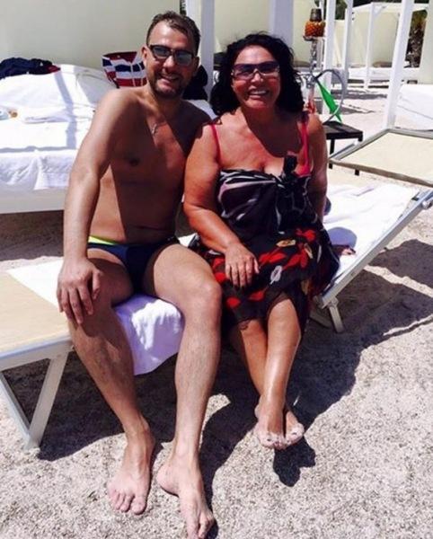 Надежда Бабкина подтвердила, что у нее близкие отношения с 42-летним Антоном Собяниным