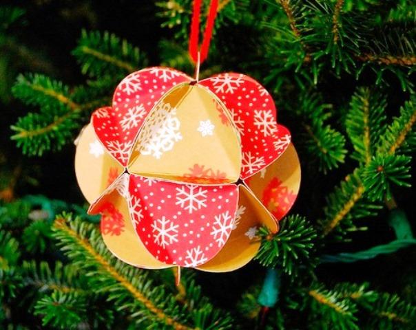 Словами так, шары из открыток на елку