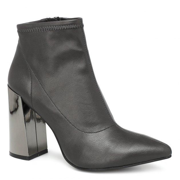 Какая обувь никогда не выйдет из моды? Разбор моделей