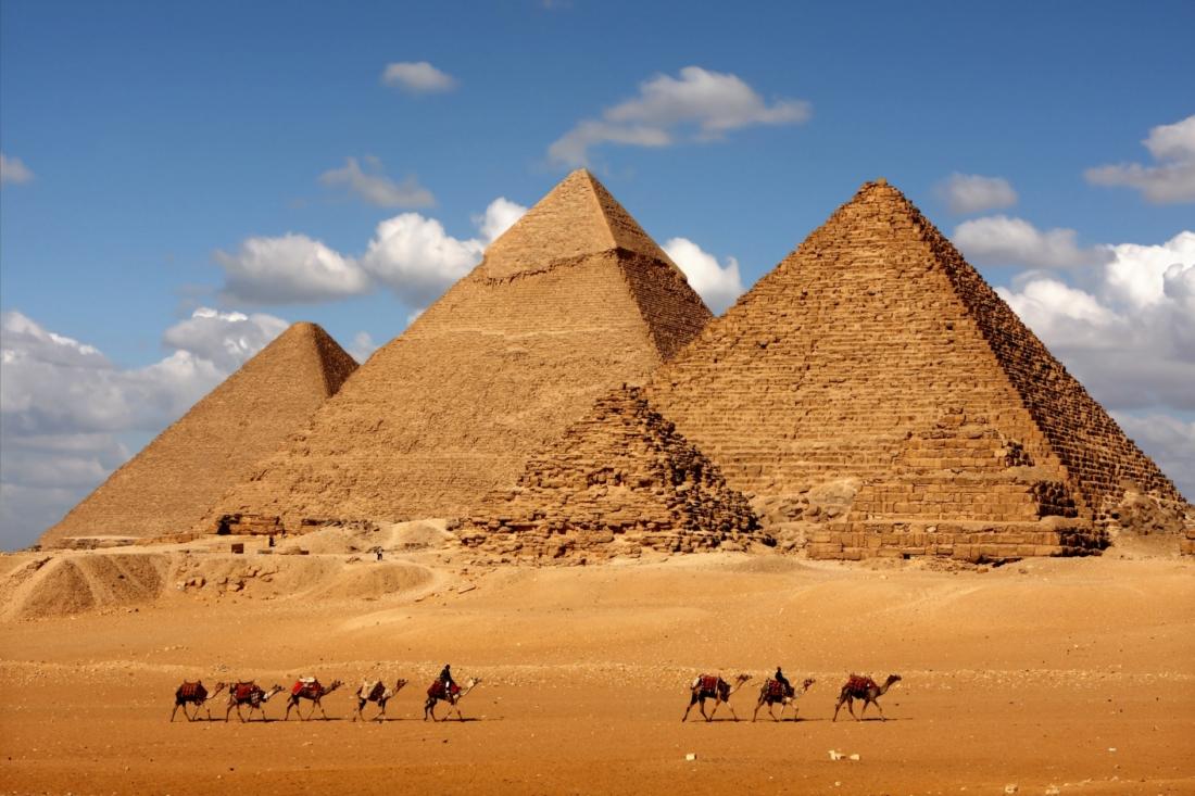 Путешествие в Египет. Один из символов Египта - пирамида Хеопса
