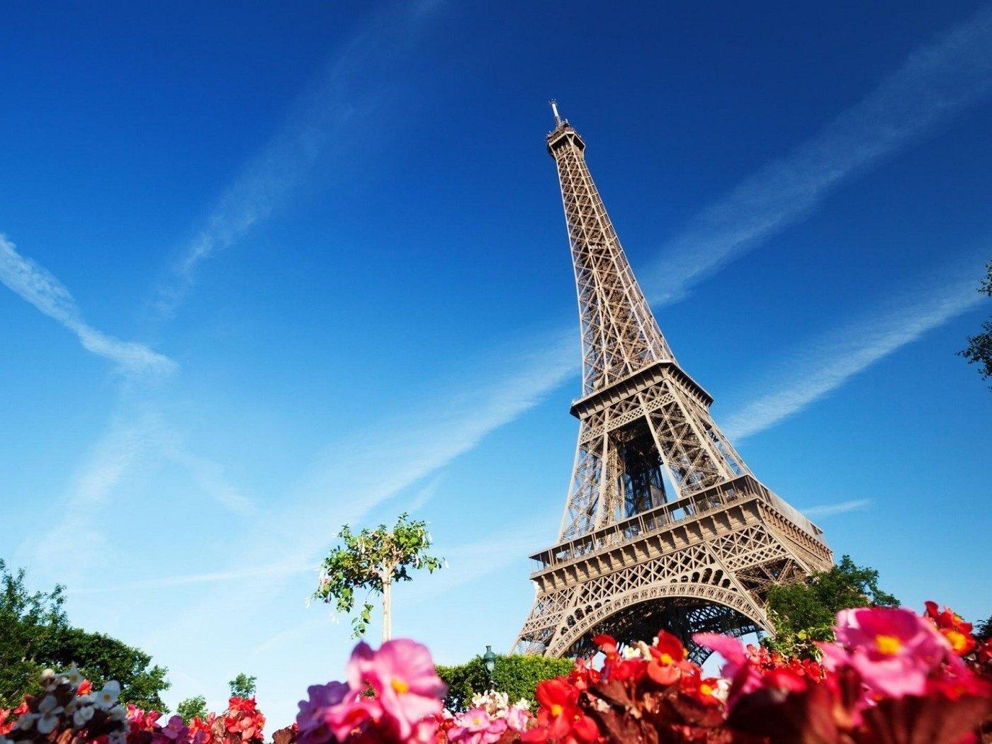 Париж — город романтических вечеров и огней