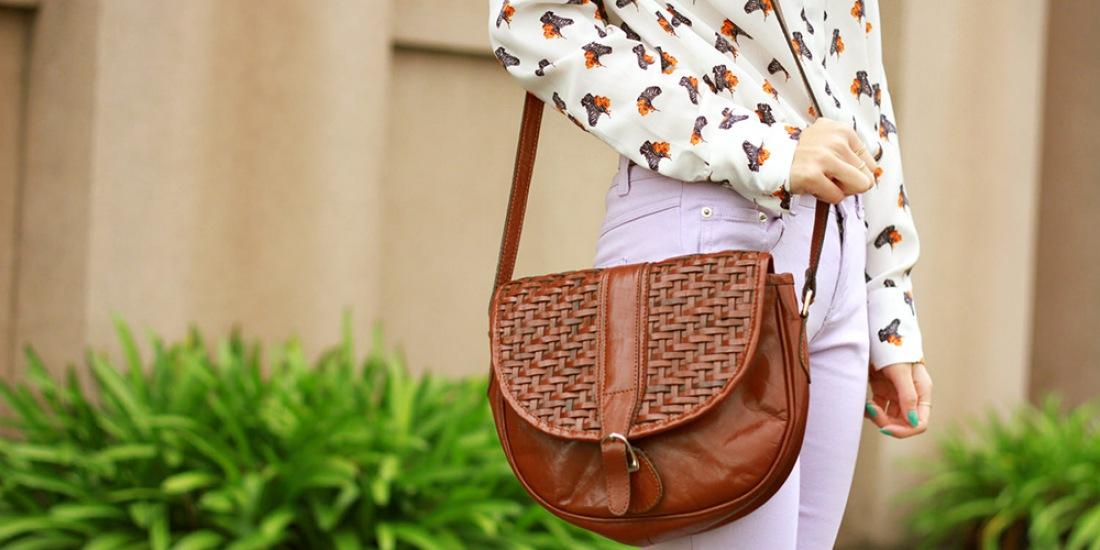 Как правильно носить женскую сумку?