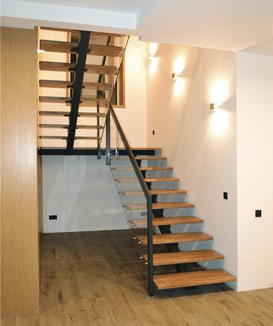 Дубовые лестницы в интерьере — элегантность и качество